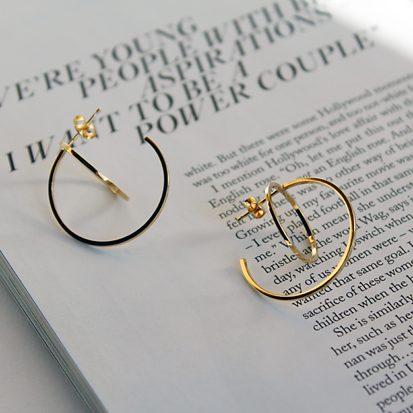 Goldplated balance earrings no2 gold
